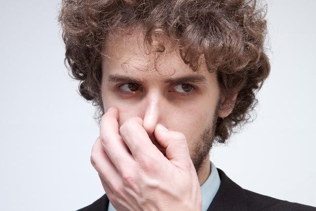 鼻、頬、顎のメンズニキビの特徴